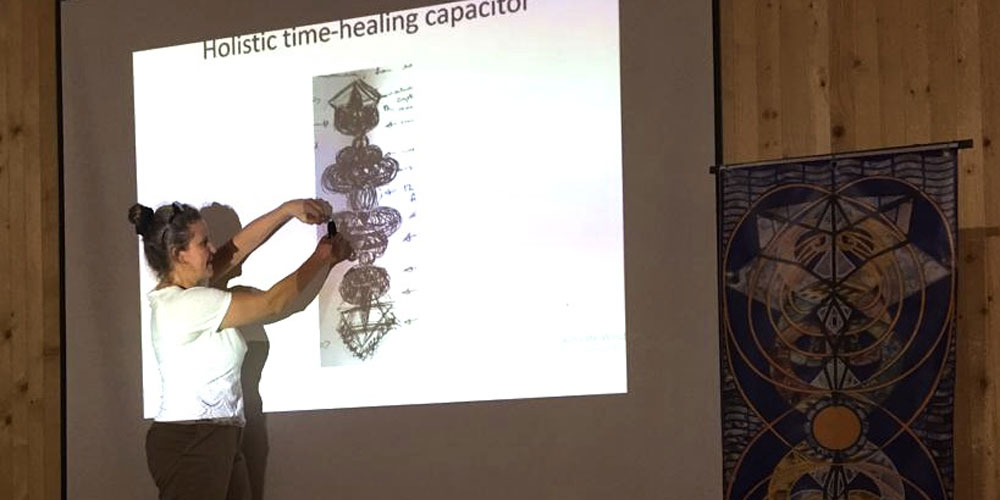 Susan giving her talk on 'Crystal of Time'